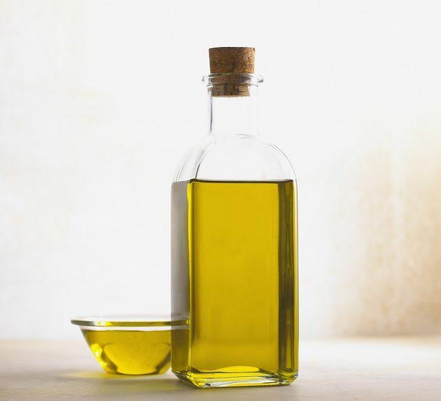 Astuces beauté : comment bien utiliser l'huile de ricin ?